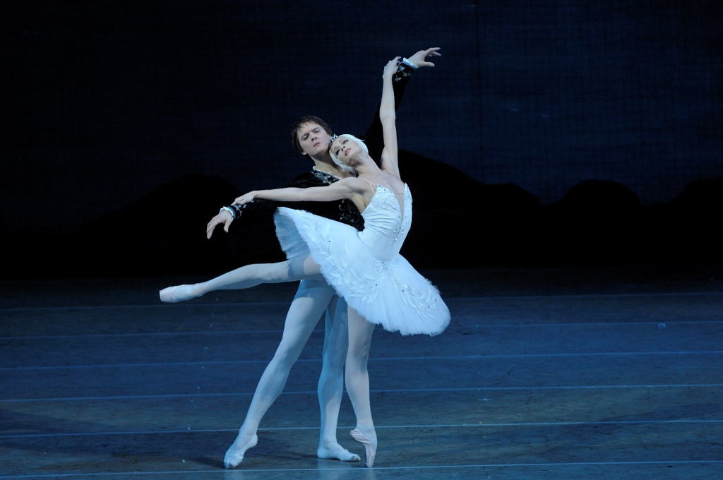 Ekaterina Kondaurova's Odette/Odile: A marvel of emotion