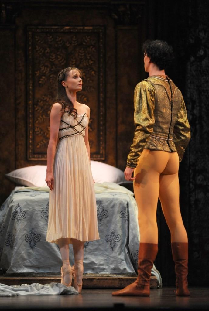 Jenna Roberts as Juliet and Tom Rogers as ParisPhoto Roy Smiljanic