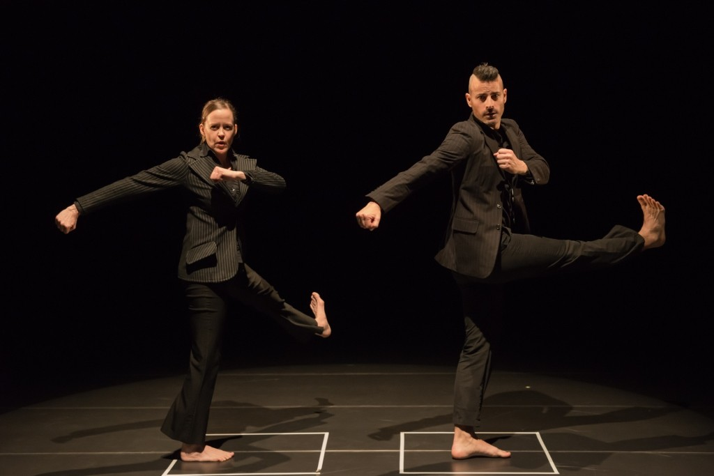Liz Casebolt and Joel Smith in O(h)Photo Chen Chang-chih