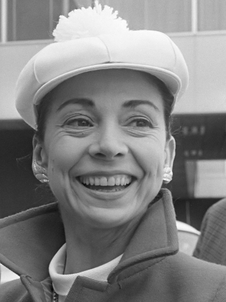 Margot Fonteyn at Schiphol Airport, Amsterdam; July 10, 1968Photo Eric Koch-Anefo