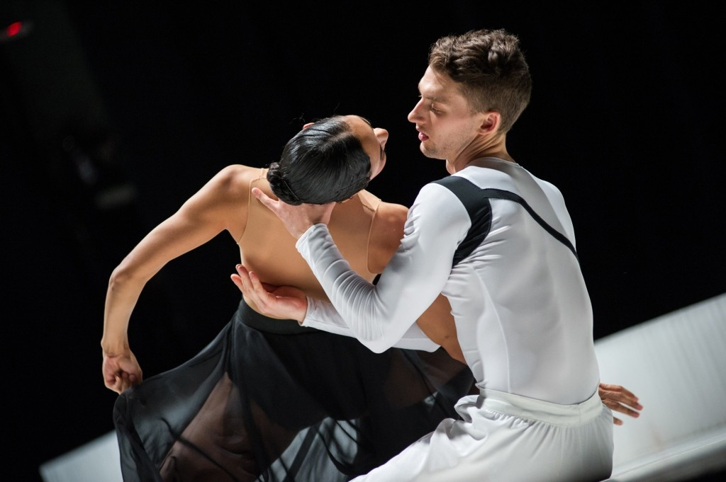 Ballet Hispanico's Kimberly Van Woesik and Christopher Bloom in CARMEN.maquiaPhoto Paula Lobo