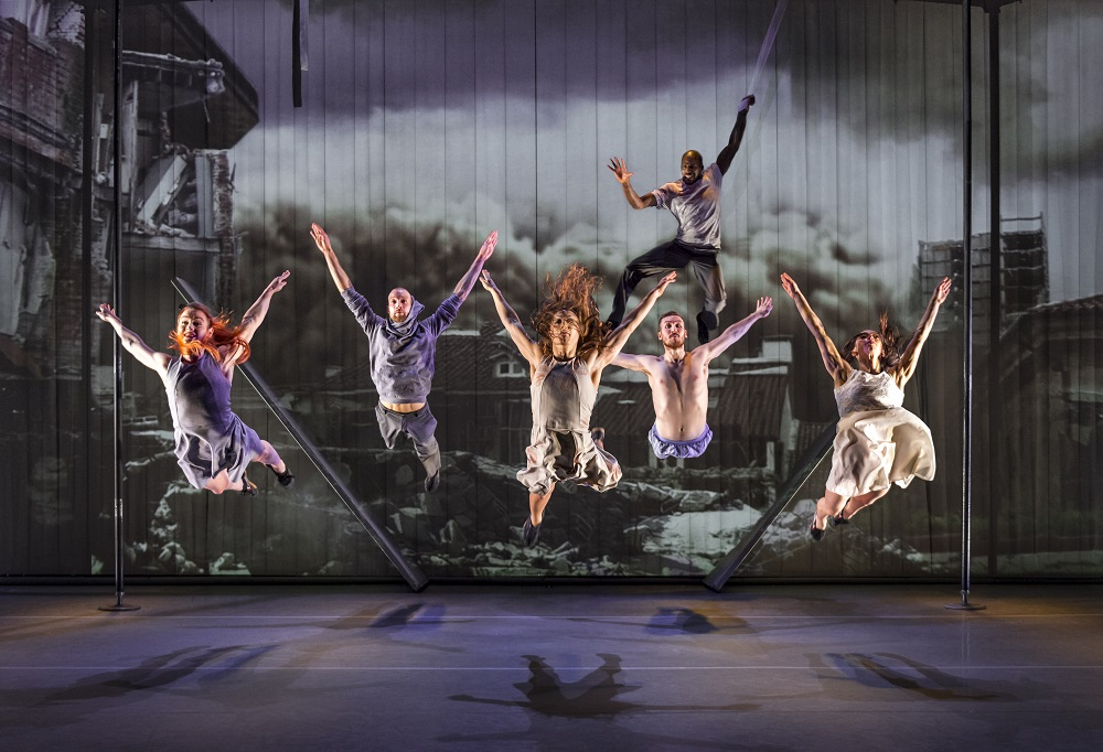 Broken: dance and full-on visual explosions