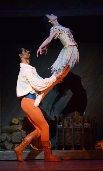 The Taming of the Shrew(Nao Sakuma as Katharina and Tyrone Singleton as Petruchio)Photo Roy Smiljanic