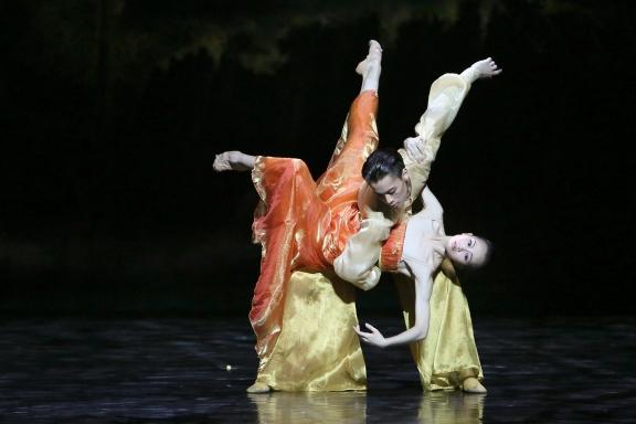 Wu Husheng and Qi Bingxue in Echoes of EternityPhoto Chen Wen