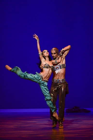 Kateryna Kukhar and Oleksandr Stoianov in ScheherazadePhoto Youngmo Choe