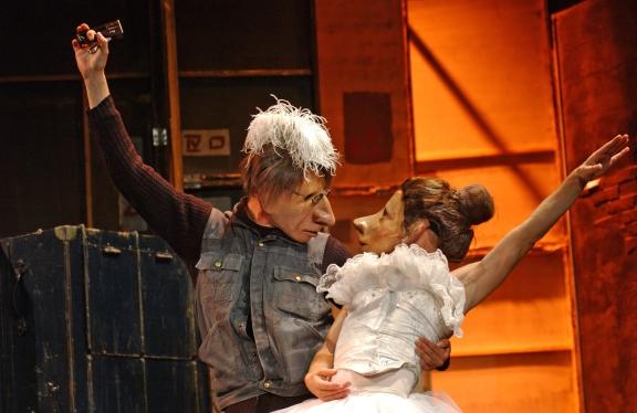 Intoxicating: Familie Floz in Teatro Delusio