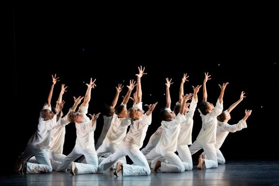 Alvin Ailey American Dance Theater in AwakeningPhoto Paul Kolnik