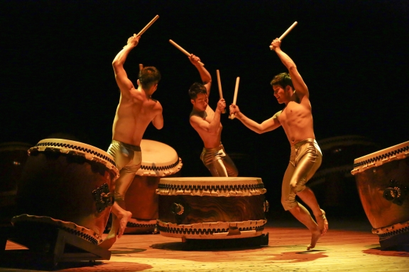 Moving slightly away from dance, Judy managed the PR for the 2016 tour by Kodo, a Japanese drumming group, seen here in MysteryPhoto Takashi Okamoto