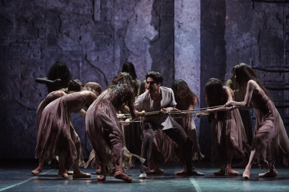 Cesar Corrales' Hilarion is dispatched by the Wilis in Akram Khan's GisellePhoto Laurent Liotardo