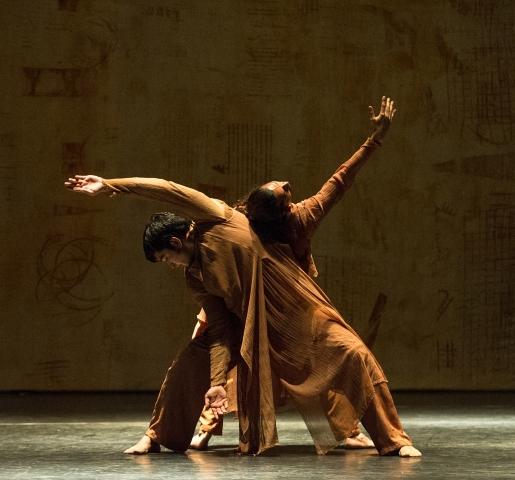 Aditi Mangaldas Dance Company in Inter_ruptedPhoto Foteini Christofilopoulou