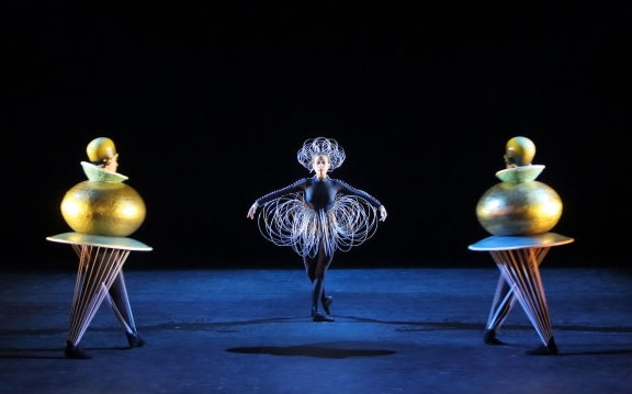 Alisa Bartels, Alexander Bennett and Nicholas Losada in The Triadic BalletPhoto Wilfried Hosl