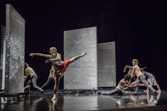 Rambert Dance Company in Malgorzata Dzierzon's FlightPhoto Johan Persson