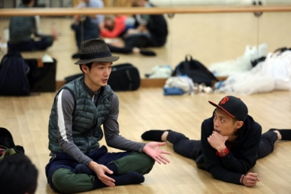 Dancer-choreographer Yuh Egami (left) in discussion with composer-musician Mike OrangePhoto Cheung Chi Wai, courtesy West Kowloon Cultural District Authority