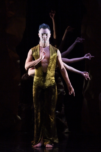 Jade Dance Theatre in Crescent SpringPhoto Wang Te-fang