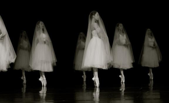 TNUA dancers in GisellePhoto Zhang Xiao-xiong