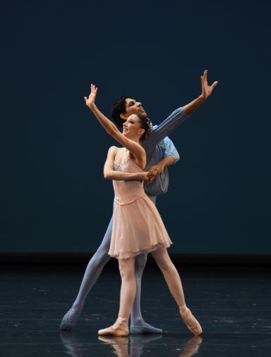 Bayerisches Staatsballett II in Allegro Brillante(dancers here: Isidroa Markovic and Flemming Puthepurayil)Photo Charles Tandy