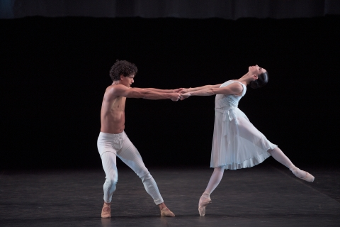 Tamara Rojo and Isaac Hernández in Adagio HammerklavierPhoto Laurent Liotardo