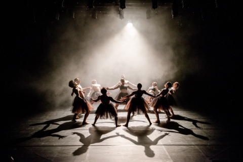 Scottish Dance Theatre in Tutumucky by Botis SevaPhoto Brian Hartley