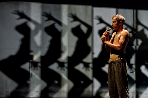 A journey through the dark side: Jonathan Young and Kid Pivot in Betroffenheit
