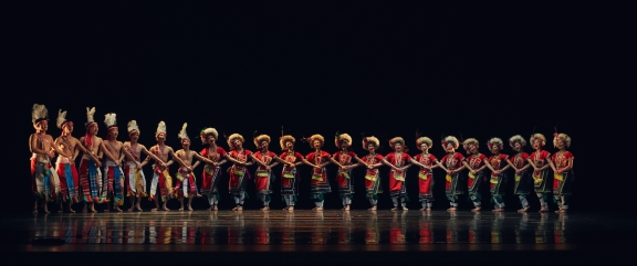 Feast, dance from Taiwan's indigenous Amis people, by Li Jun-weiPhoto Lin Ding-Tai