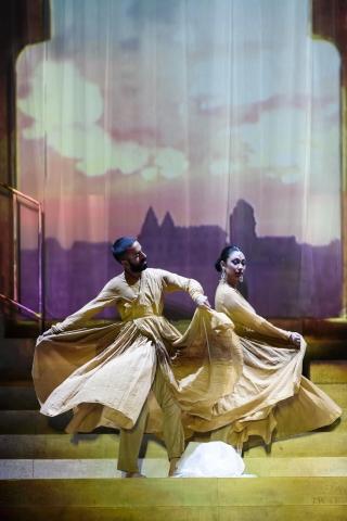 Choreographer Aakash Odedra and Sanjukta Sinha in SukanyaPhoto ROH/Bill Cooper