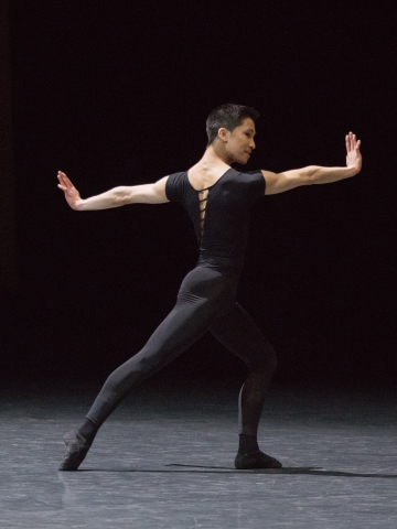 Chun Wing Lam in William Forsythe's Herman SchmermanPhoto Ann Ray/Opéra National de Paris
