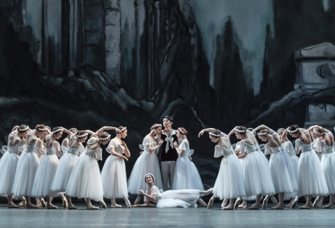 The Royal Ballet School in Les SylphidesPhoto The Royal Ballet School/Johan Persson