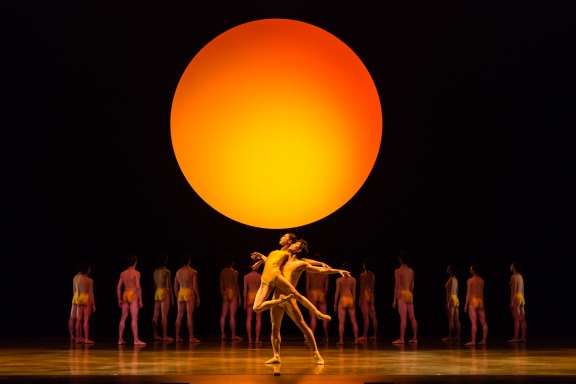 Balanchine/Liang/Petipa: Singapore Dance Theatre, Masterpiece in Motion