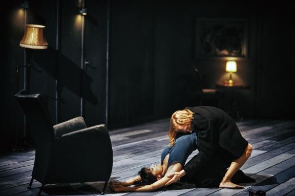 Great dancers but something missing: Nederlands Dans Theater