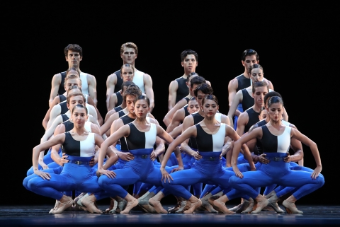 Symphony of the Netherlands by Dutch National BalletPhoto Hans Gerritsen