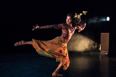 A deeply refreshing evening of surprises: Outlands from 2Faced Dance