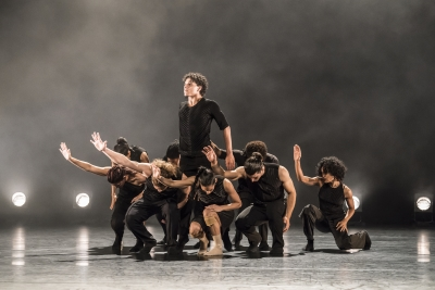 Acosta Danza in Imponderable by Goyo MonteroPhoto Johan Persson