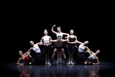 Yu Che-yu on the receiving end (again!) in Lily Cheng's La RencontrePhoto Chen De-zheng