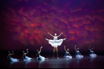 Capital Ballet Taipei in Serenade by Hsu Chin-fengPhoto Chen De-zheng