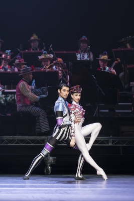 Ryoichi Hirano and Yasmine Naghdi of The Royal Ballet in Elite SyncopationsPhoto ROH/Bill Cooper