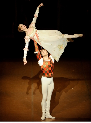 Alicia Amatriain and Friedemann Vogel in John Cranko's Romeo and JulietPhoto Stuttgart Ballet