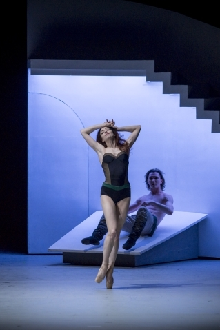 Ekaterina Krysanova and Vladislav Lantratov in The Taming of the ShrewPhoto J Devant