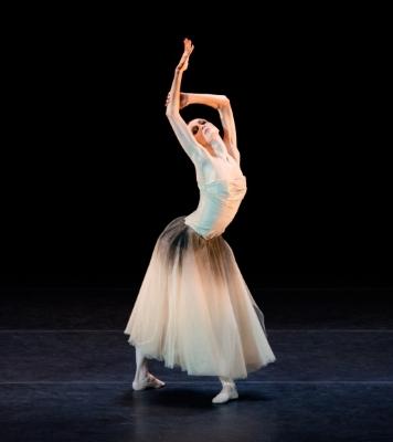 Svetlana Zakharova in Strokes Through The TailPhoto Batyr Annadurdyev