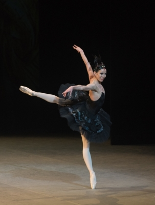 Viktoria Tereshkina in the Black Swan pas de deux from Swan LakePhoto Marc Haegeman