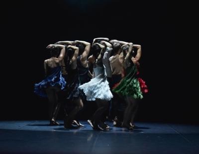 Ballet Preljocaj in La FresquePhoto Jean-Claude Carbonne