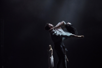 Tamara Rojo and James Streeter in Akram Khan's GisellePhoto Laurent Liotardo
