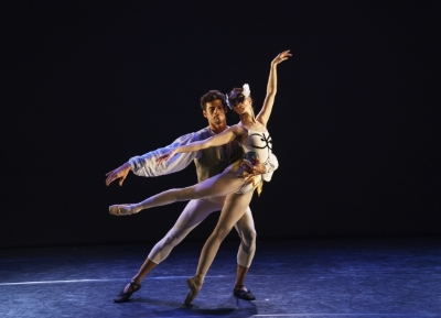 Thiago Soares and Lauren Cuthbertson in Kenneth MacMillan's House of BirdsPhoto Bill Cooper