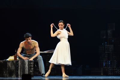 Luana Georg (Blanche DuBois) and Anatoli Arhangelski (Stanley) in A Streetcar named DesirePhoto Harri Rospu