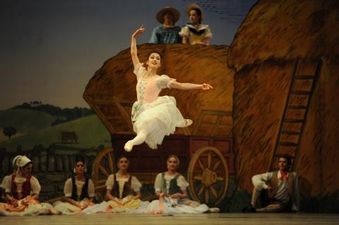 Nao Sakuma's sunny 'Goodbye'. Birmingham Royal Ballet in La Fille mal gardée