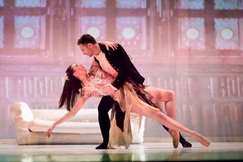 Entrancing: Ballet Cymru in Cinderella