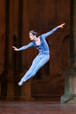 3rd Year student Taisuke Nakao as the Bluebird in Aurora's WeddingPhoto The Royal Ballet School, Andrej Uspenski