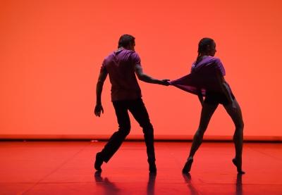 Miriam Kacerova and Roman Novitzky in Come neve al sole by Rolando D`AlesioPhoto Stuttgart Ballet