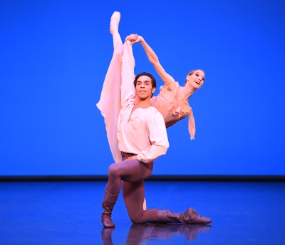 Jason Reilly and Alicia Amatriain in Dances at a GatheringPhoto Stuttgart Ballet