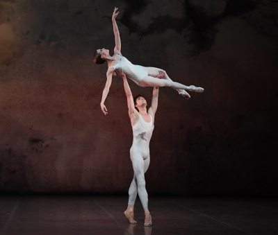 Alicia Amatriain and Friedemann Vogel in Initials R.B.M.E.Photo Stuttgart Ballet