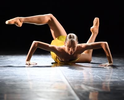 Elisa Badenes in Limelight by Katarzyna KozielskaPhoto Stuttgart Ballet